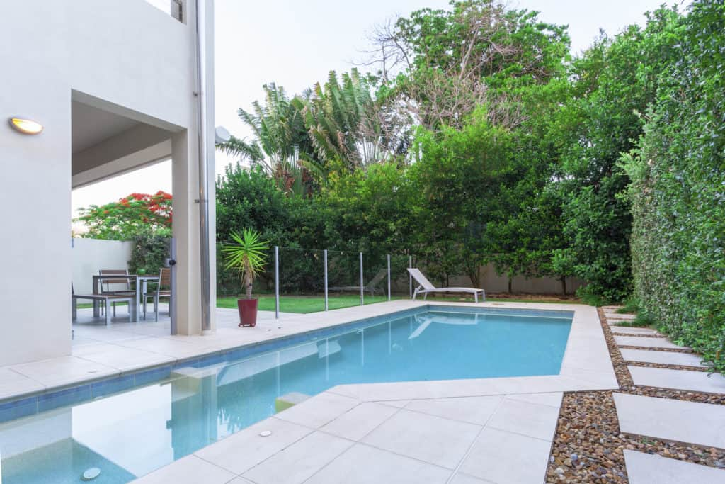 home swimming pool installation