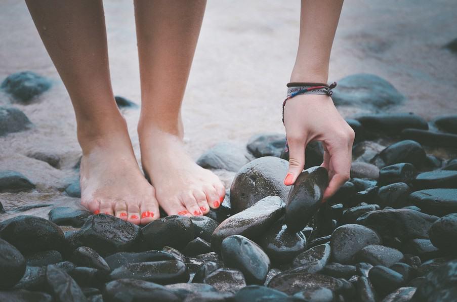 feet loving essential care